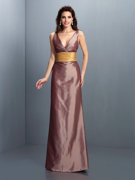 Fashion Sheath/Column Pleats Sleeveless V-neck Long Taffeta Dresses