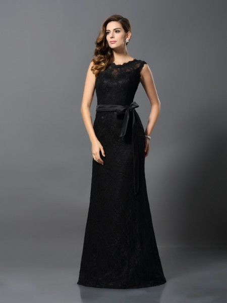 Fashion Sheath/Column Lace Sleeveless Scoop Long Satin Dresses