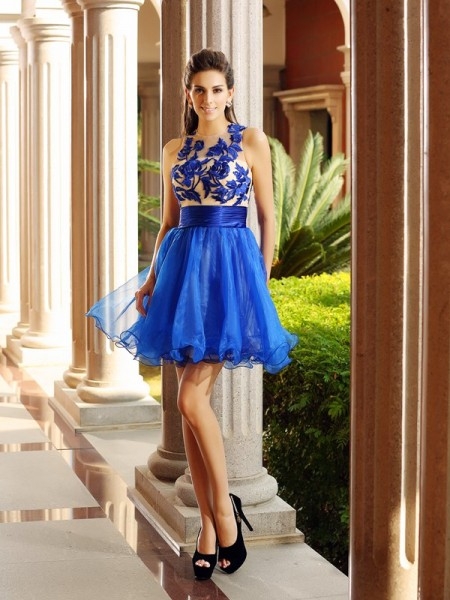Stylish A-Line/Princess Beading Sleeveless Bateau Short Organza Cocktail Dresses