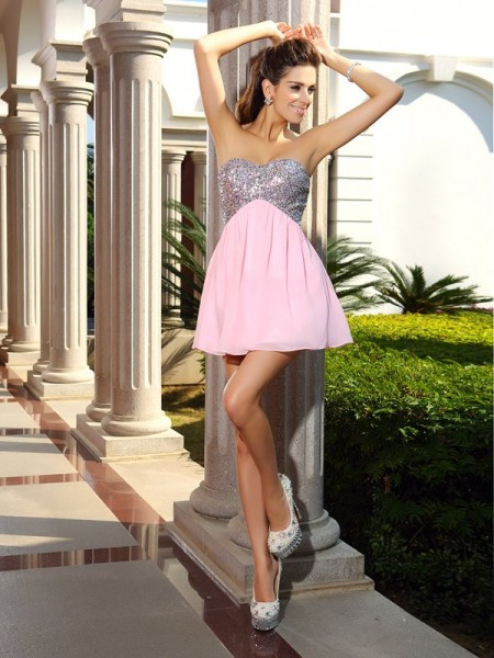Stylish A-Line/Princess Sequin Sleeveless Sweetheart Short Chiffon Cocktail Dresses