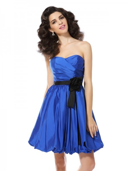 Stylish A-Line/Princess Hand-Made Flower Sweetheart Sleeveless Short Taffeta Cocktail Dresses