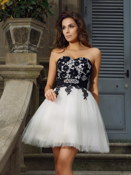 Fashion A-Line/Princess Applique Sleeveless Sweetheart Short Tulle Cocktail Dresses