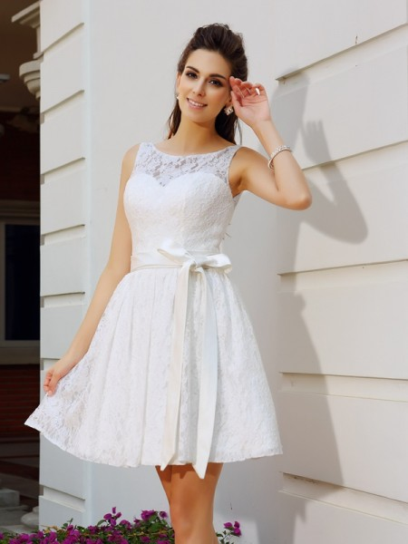 Stylish A-Line/Princess Sash/Ribbon/Belt Sleeveless Scoop Short Lace Cocktail Dresses