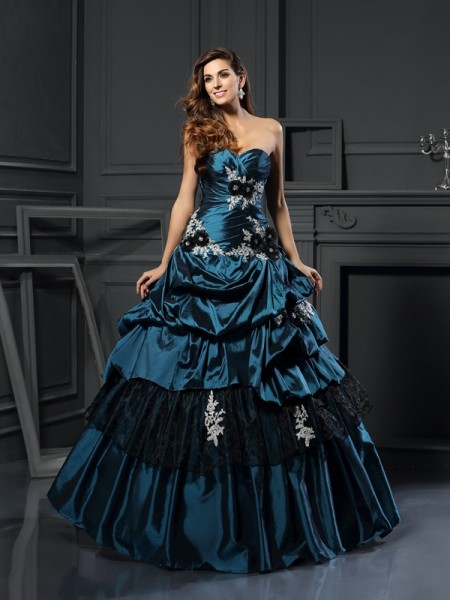 Stylish Ball Gown Beading Sleeveless Sweetheart Long Taffeta Quinceanera Dresses