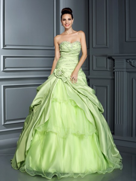 Fashion Ball Gown Hand-Made Flower Sweetheart Sleeveless Long Taffeta Quinceanera Dresses