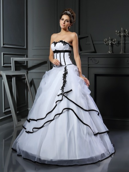 Stylish Ball Gown Applique Sleeveless Sweetheart Long Satin Wedding Dresses