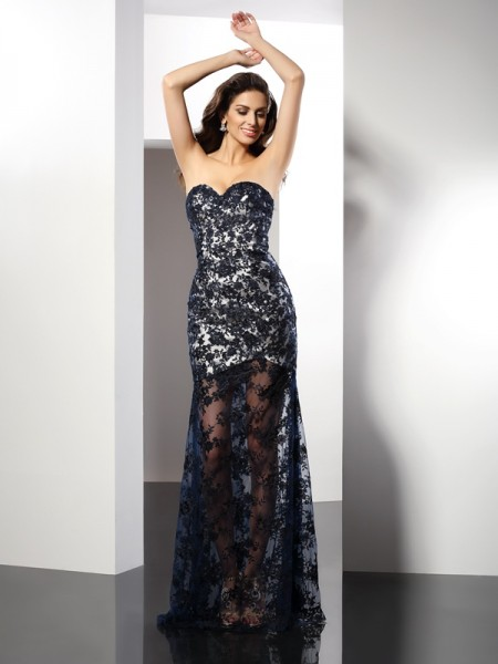 Stylish Sheath/Column Lace Sleeveless Sweetheart Long Satin Dresses