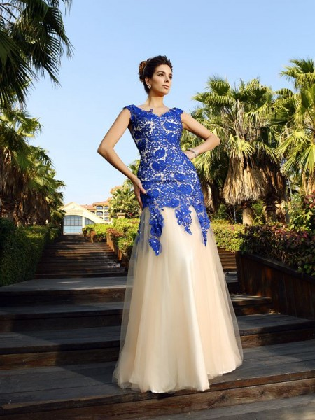 Fashion Sheath/Column Applique Sleeveless V-neck Long Net Dresses