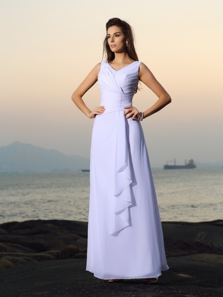Fashion A-Line/Princess Pleats Sleeveless V-neck Long Chiffon Beach Wedding Dresses