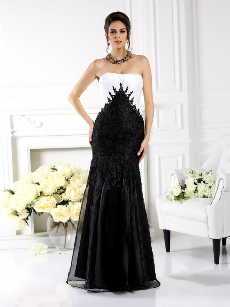 Fashion Trumpet/Mermaid Applique Sleeveless Strapless Long Tulle Mother of the Bride Dresses