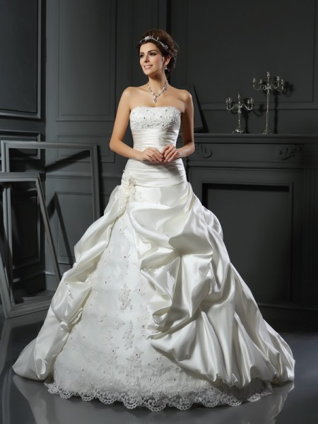 Fashion Ball Gown Beading Applique Sweetheart Sleeveless Long Satin Wedding Dresses