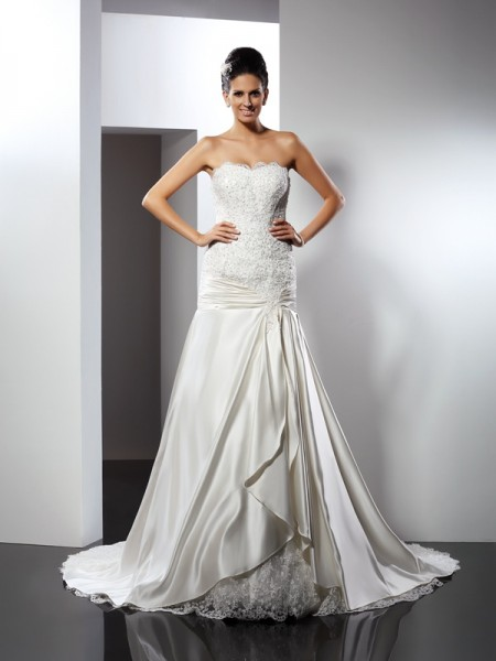 Fashion Trumpet/Mermaid Applique Sleeveless Sweetheart Long Satin Wedding Dresses