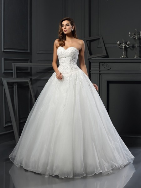 Stylish Ball Gown Beading Sleeveless Sweetheart Long Tulle Wedding Dresses