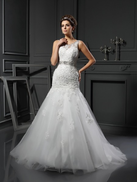 Fashion Sheath/Column Applique Sleeveless Scoop Long Net Wedding Dresses
