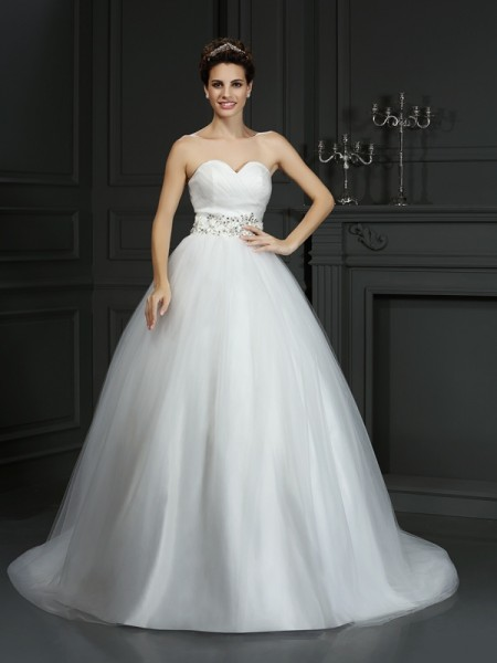 Stylish Ball Gown Beading Sleeveless Sweetheart Long Net Wedding Dresses