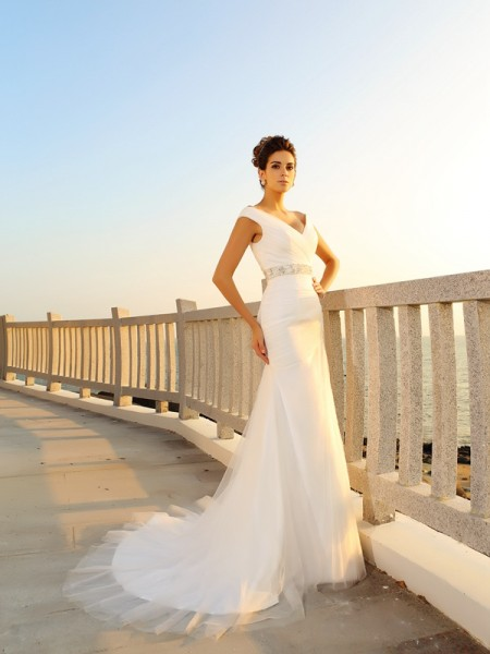 Fashion Sheath/Column Pleats Sleeveless V-neck Long Net Beach Wedding Dresses