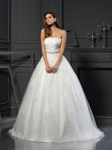 Stylish Ball Gown Applique Sleeveless Strapless Long Net Wedding Dresses