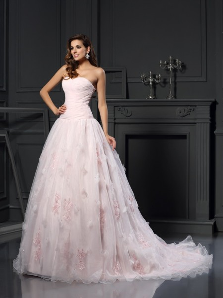 Stylish Ball Gown Ruffles Sleeveless Sweetheart Long Satin Wedding Dresses