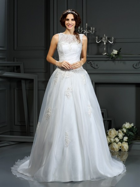 Fashion A-Line/Princess Applique Sleeveless Scoop Long Net Wedding Dresses