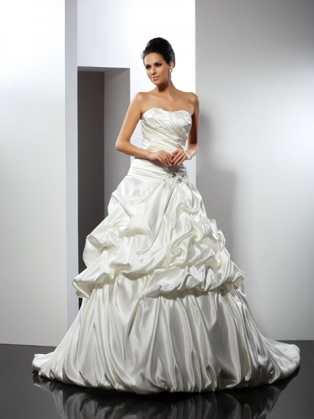 Stylish Ball Gown Sleeveless Long Sweetheart Satin Wedding Dresses