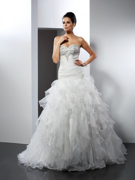 Fashion Ball Gown Ruffles Sleeveless Sweetheart Long Tulle Wedding Dresses