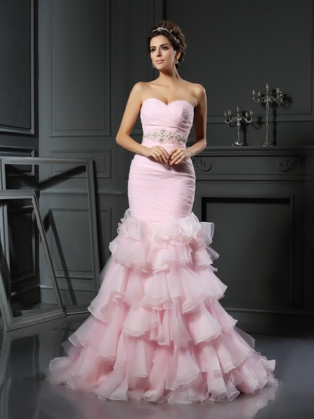 Stylish Trumpet/Mermaid Beading Sleeveless Sweetheart Long Organza Wedding Dresses