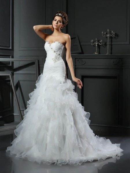 Stylish Trumpet/Mermaid Ruffles Sleeveless Sweetheart Long Organza Wedding Dresses