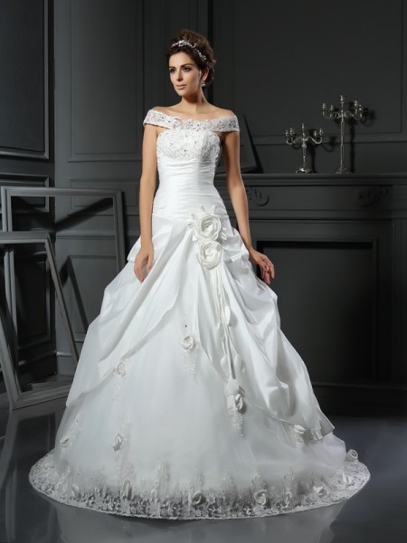 Stylish Ball Gown Hand-Made Flower Off-the-Shoulder Sleeveless Long Satin Wedding Dresses