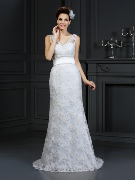 Stylish Trumpet/Mermaid Applique Sleeveless Sweetheart Long Lace Wedding Dresses