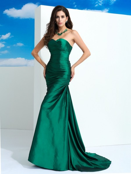 Stylish Sheath/Column Pleats Sleeveless Sweetheart Long Taffeta Dresses
