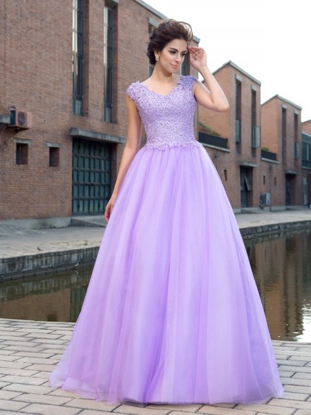 Fashion Ball Gown Applique Short Sleeves V-neck Long Net Dresses