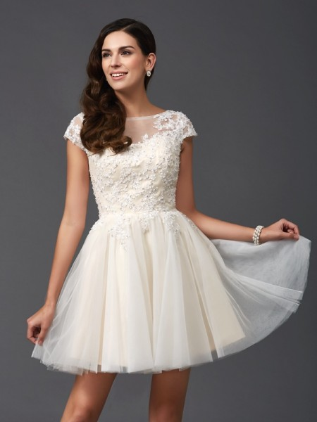 Stylish A-Line/Princess Applique Short Sleeves Scoop Short Net Dresses
