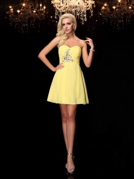Fashion A-Line/Princess Rhinestone Sleeveless Sweetheart Short Chiffon Dresses