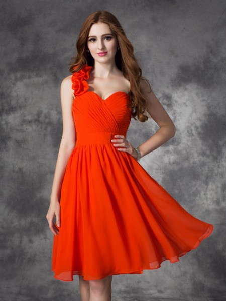 Fashion A-line/Princess Hand-Made Flower One-Shoulder Sleeveless Short Chiffon Dresses
