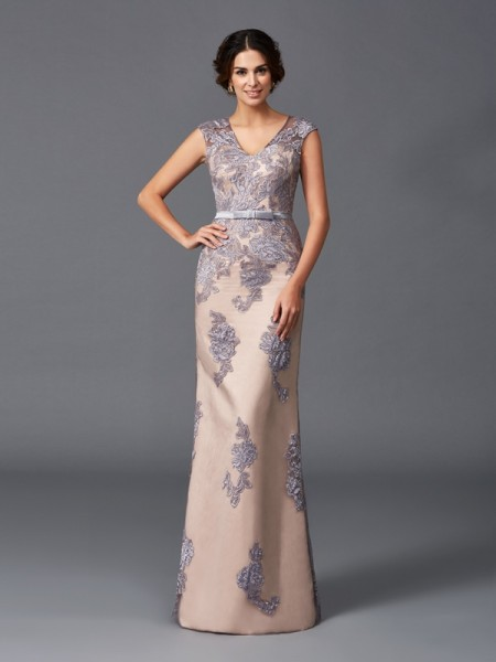 Fashion Sheath/Column Applique Sleeveless Straps Long Satin Dresses