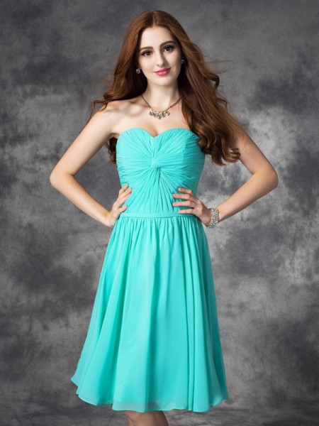 Fashion A-line/Princess Ruffles Sleeveless Sweetheart Short Chiffon Dresses
