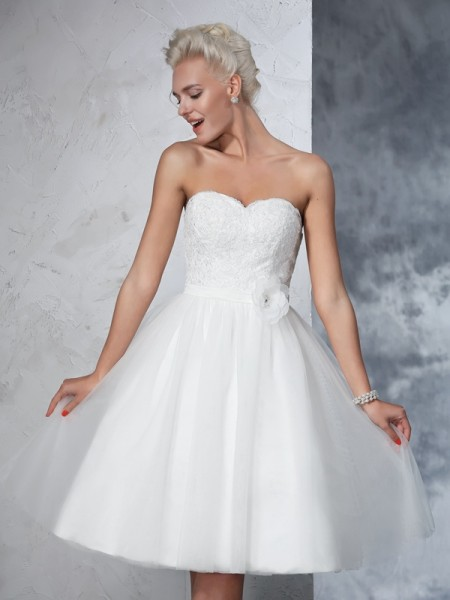 Stylish A-Line/Princess Hand-made Flower Sweetheart Sleeveless Short Net Wedding Dresses