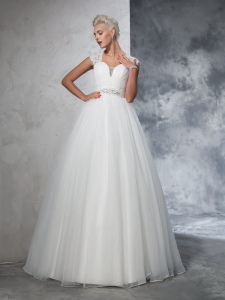 Stylish Ball Gown Ruched Sleeveless Sweetheart Long Tulle Wedding Dresses