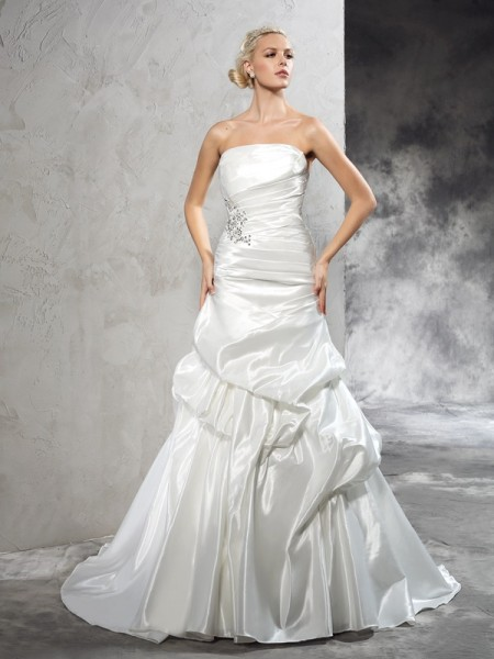 Stylish Sheath/Column Pleats Sleeveless Strapless Long Satin Wedding Dresses