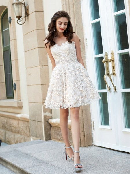 45b7a6f82803 Fashion A-Line Princess Sleeveless Rhinestone Sweetheart Short Mini Lace  Dresses