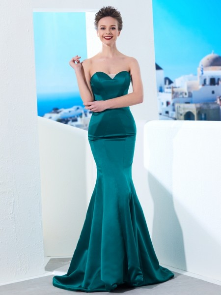 Stylish Trumpet/Mermaid Sleeveless Ruched Sweetheart Sweep/Brush Train Satin Dresses