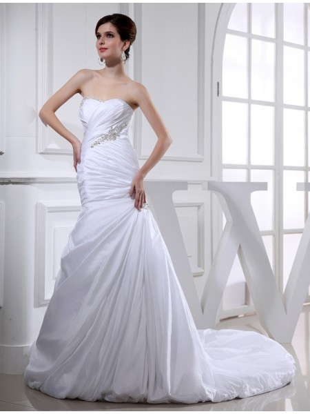 Stylish Beading Long Taffeta Trumpet/Mermaid Wedding Dresses