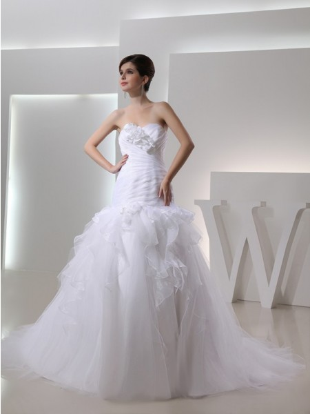 Fashion Trumpet/Mermaid Sleeveless Hand-made Sweetheart Flower Organza Wedding Dresses