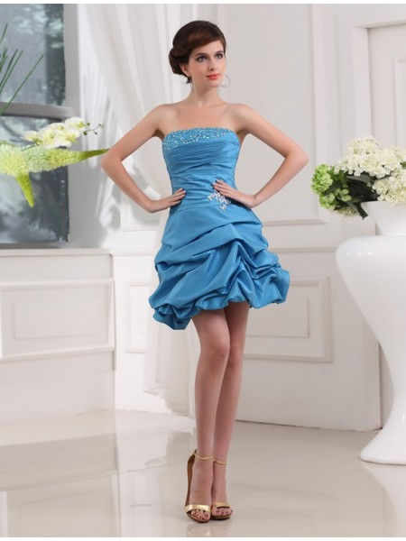 Stylish A-Line/Princess Sleeveless Strapless Beading Short Taffeta Cocktail Dresses