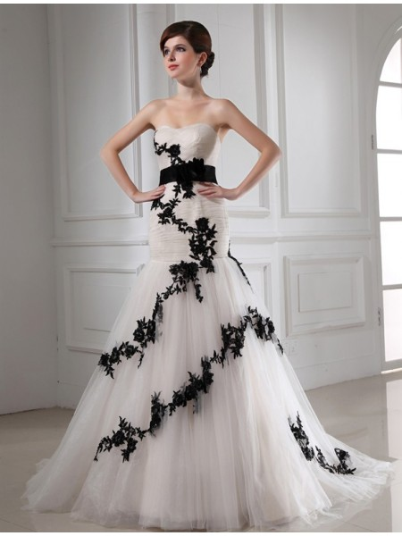 Fashion Trumpet/Mermaid Sweetheart Sleeveless Beading Applique Satin Tulle Wedding Dresses