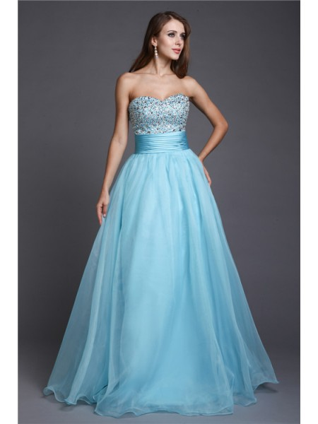 Stylish A-Line/Princess Beading Sleeveless Sweetheart Long Organza Dresses