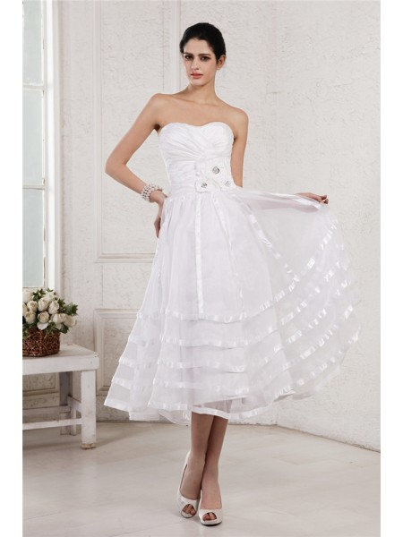 Stylish A-Line/Princess Sleeveless Hand-Made Strapless Flower Pleats Short Organza Taffeta