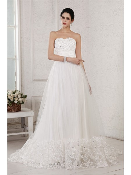 Stylish A-Line/Princess Sleeveless Beading Sweetheart Applique Long Net Wedding Dresses
