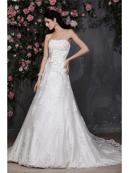 Stylish A-Line/Princess Sleeveless Beading Strapless Applique Hand-Made Flower Net Wedding Dresses