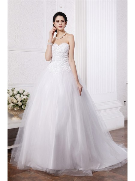 Stylish Ball Gown Sleeveless Beading Sweetheart Applique Long Net Wedding Dresses